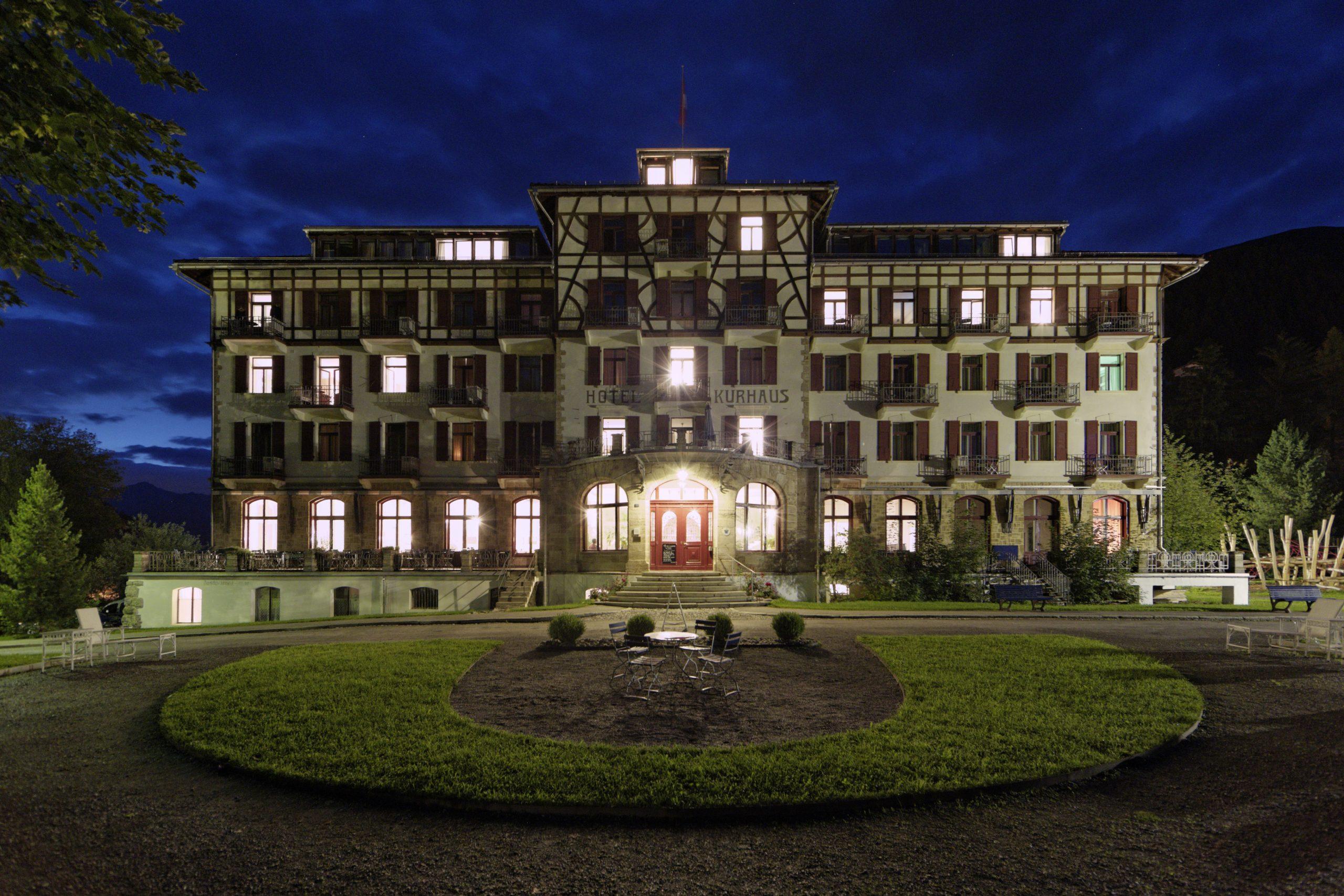 Kurhaus-Berguen_Sommerabend